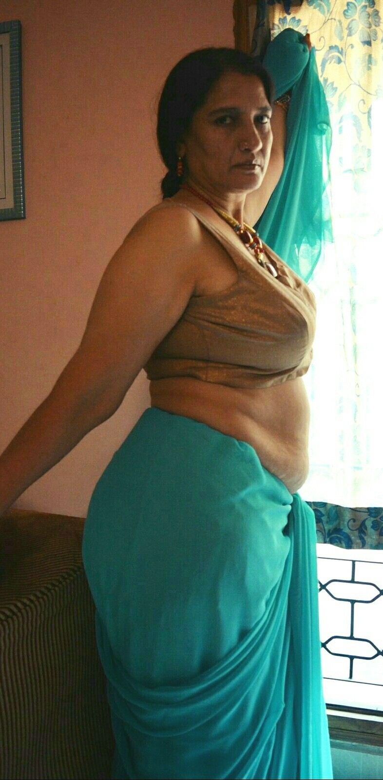 Indian aunty sexy photo