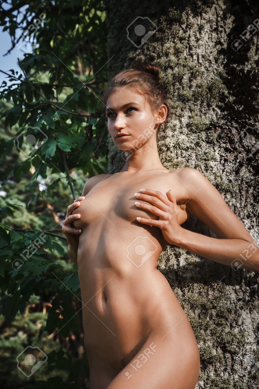 Free outdoor naked girls